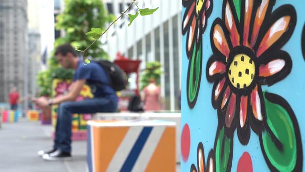 wtc-street-art-flowers-620
